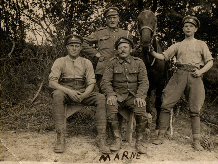 George Thompson, back left, and horse two days before the retreat, July 1918 (Ref No. D/DLI 7/700/31)